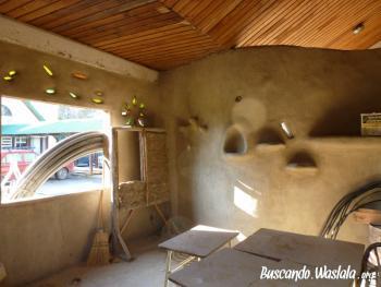 Nos hacemos una casa de barro buscando waslala for Costruendo su una casa di ranch